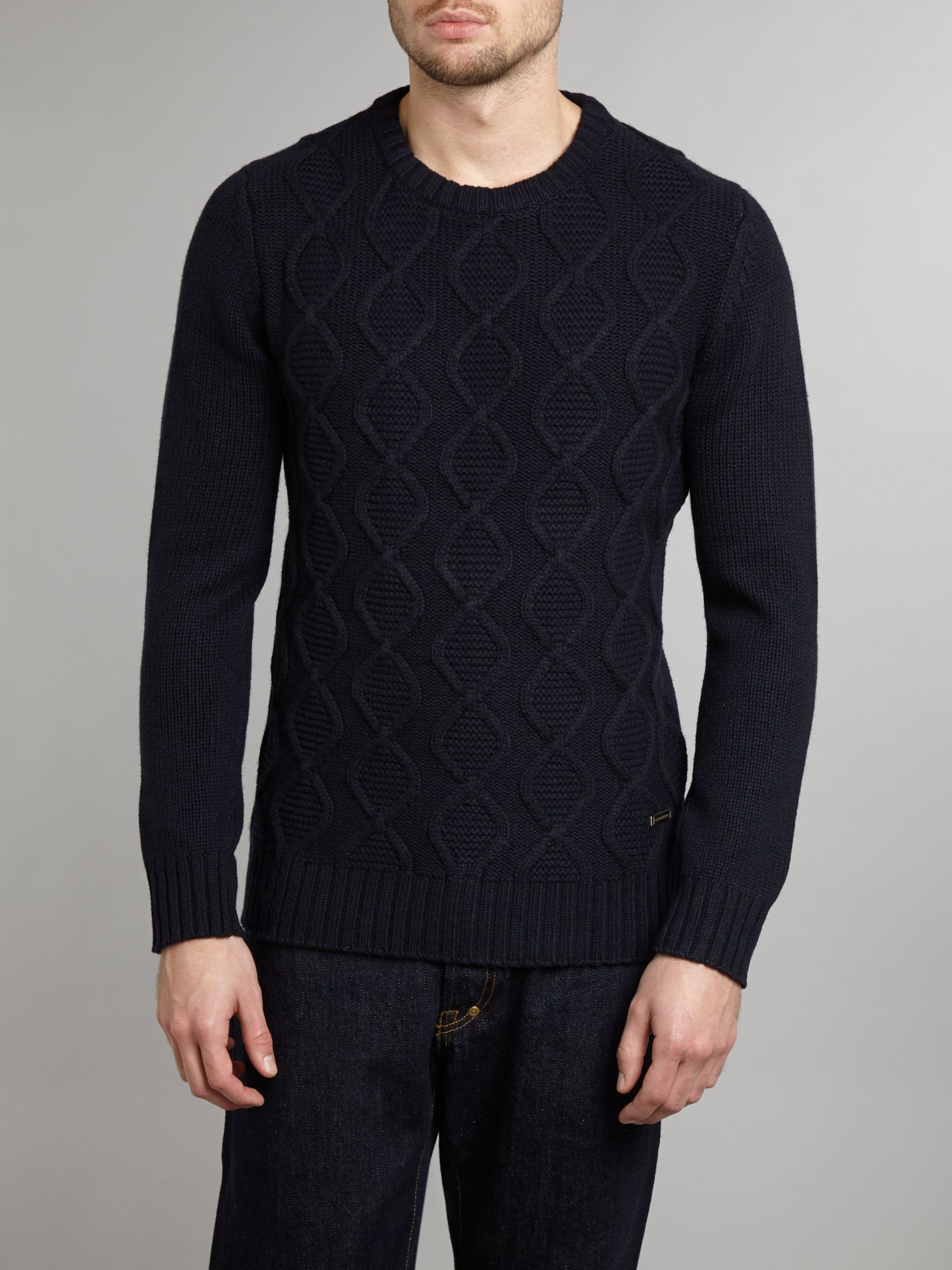 Crew neck soft structure knitwear