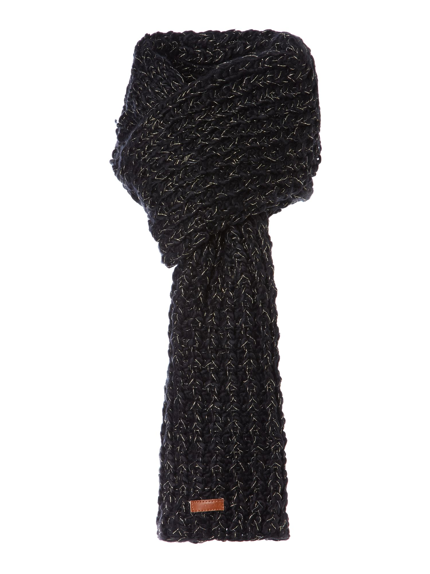 Girl`s knitted scarf
