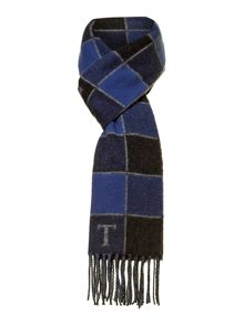 Check with fringe scarf