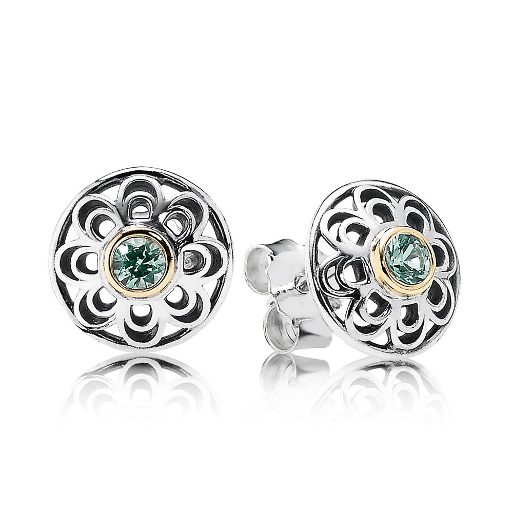 Precious heritage lace stud earrings