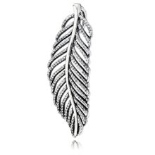 Pandora Feather necklace pendant