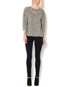 Leopard jaquard sweat jumper with necklace
