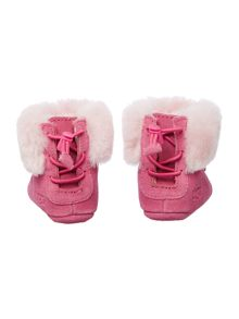Baby`s fur cuff moccasin