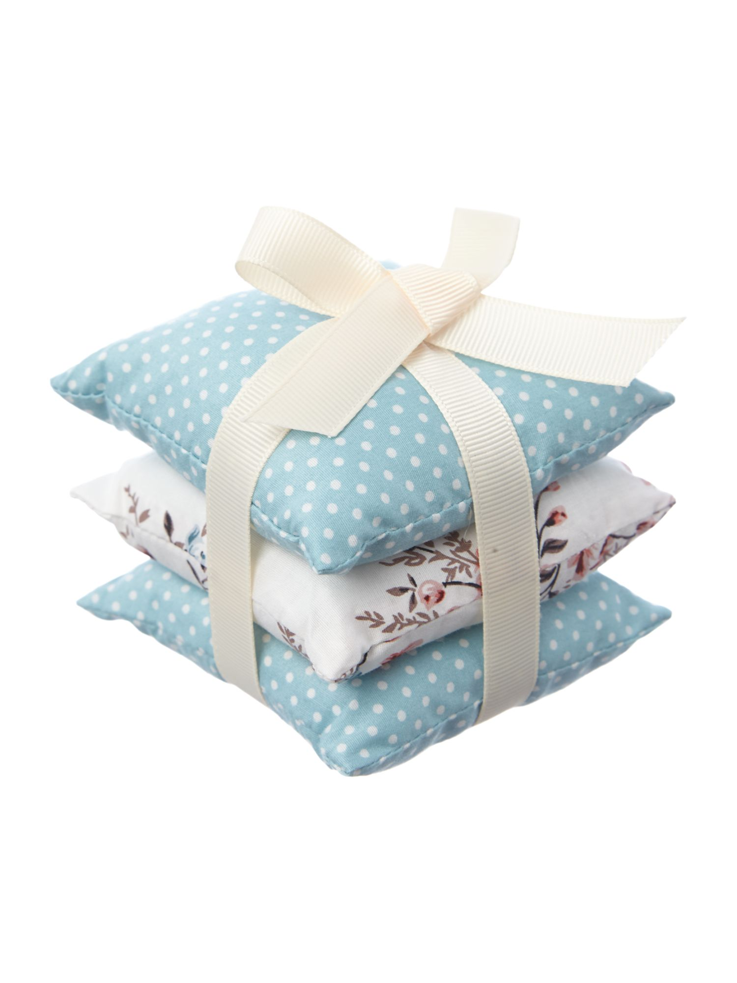 Set 3 fabric pillows