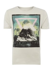 Tide graphic tee
