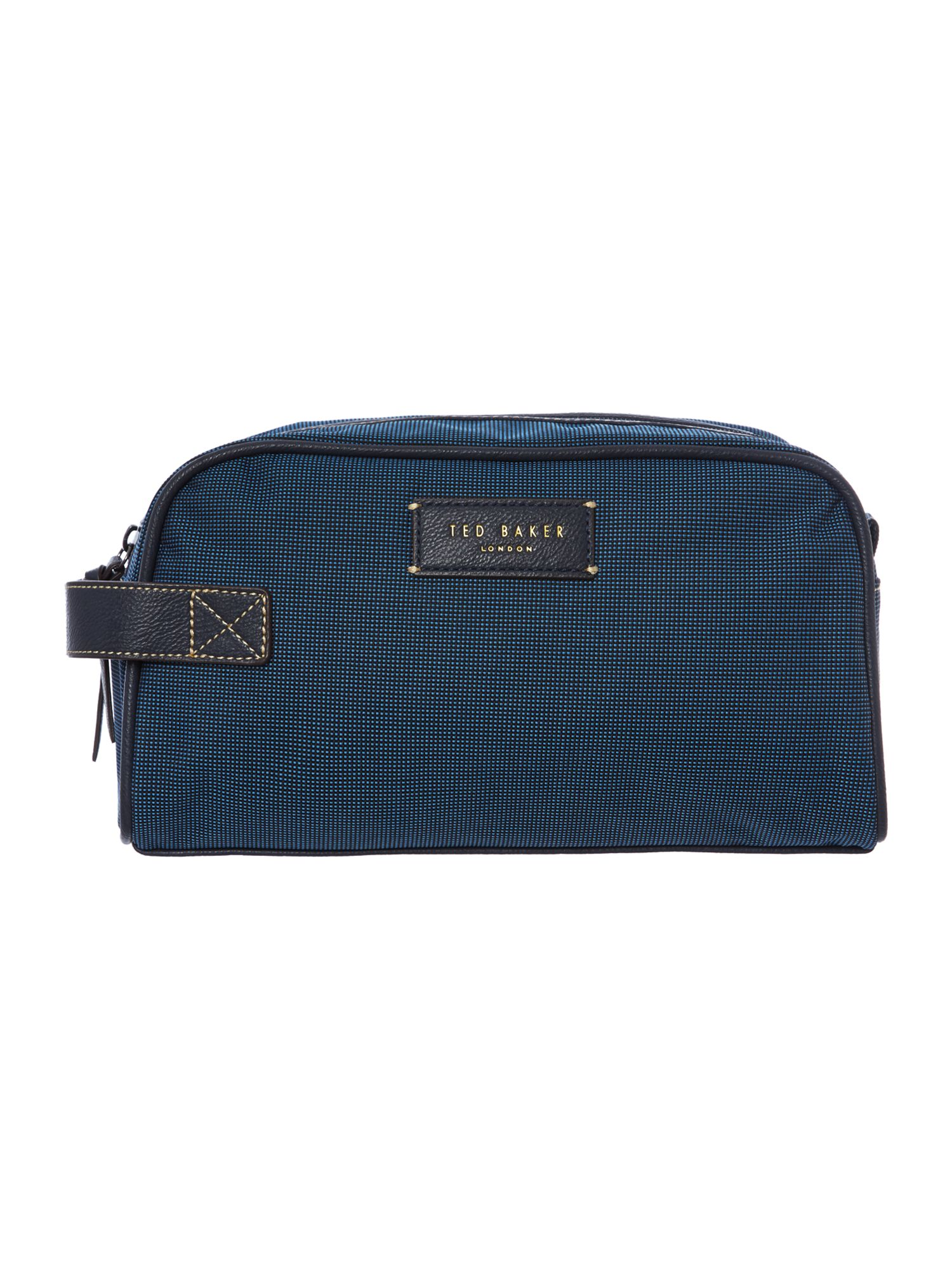 Nylon washbag with towell