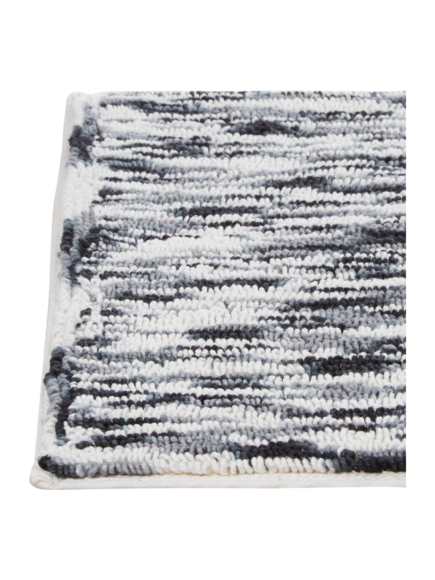 Monochrome thin stripe bathmat