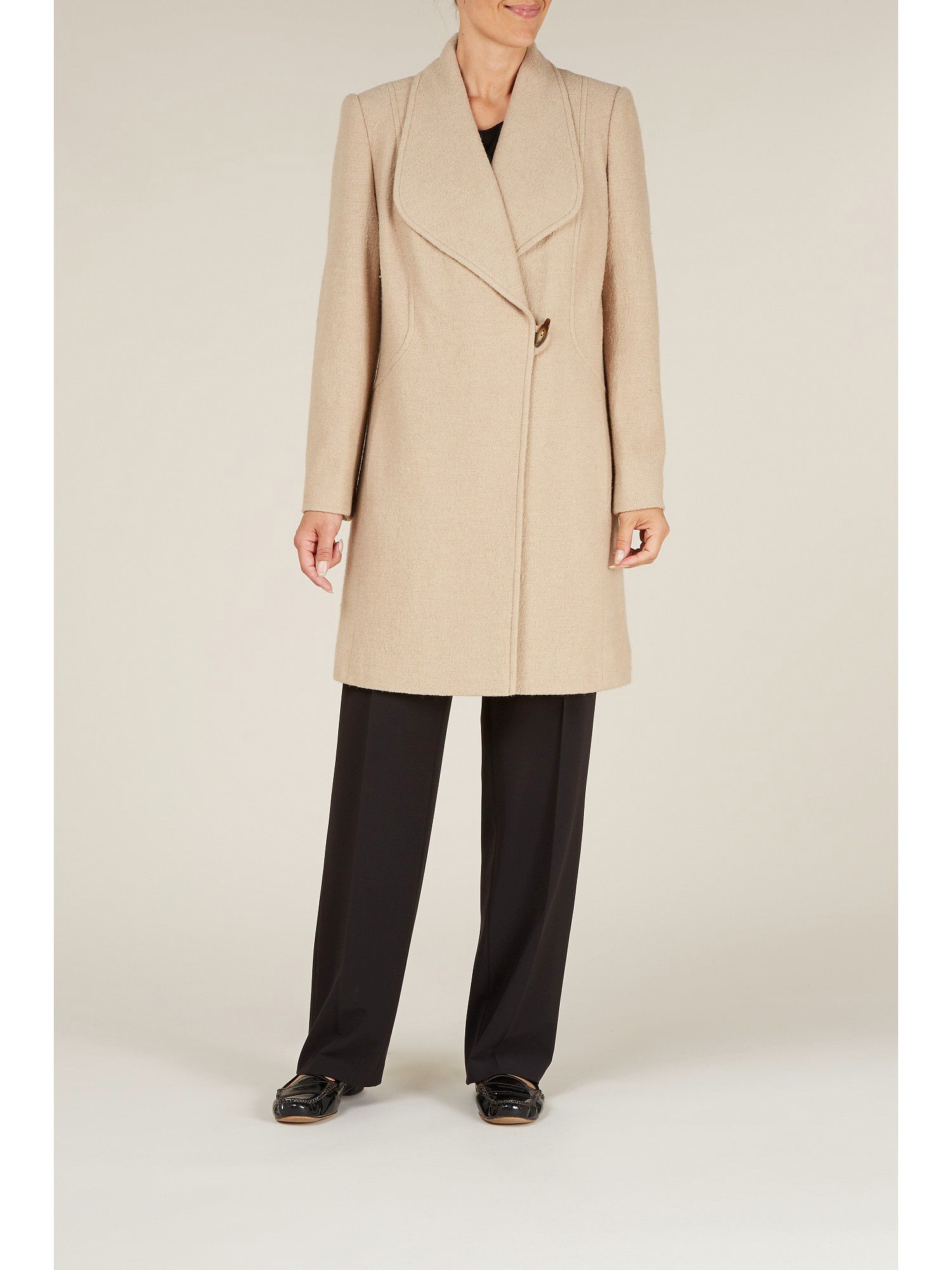 Mid-length camel wool coat