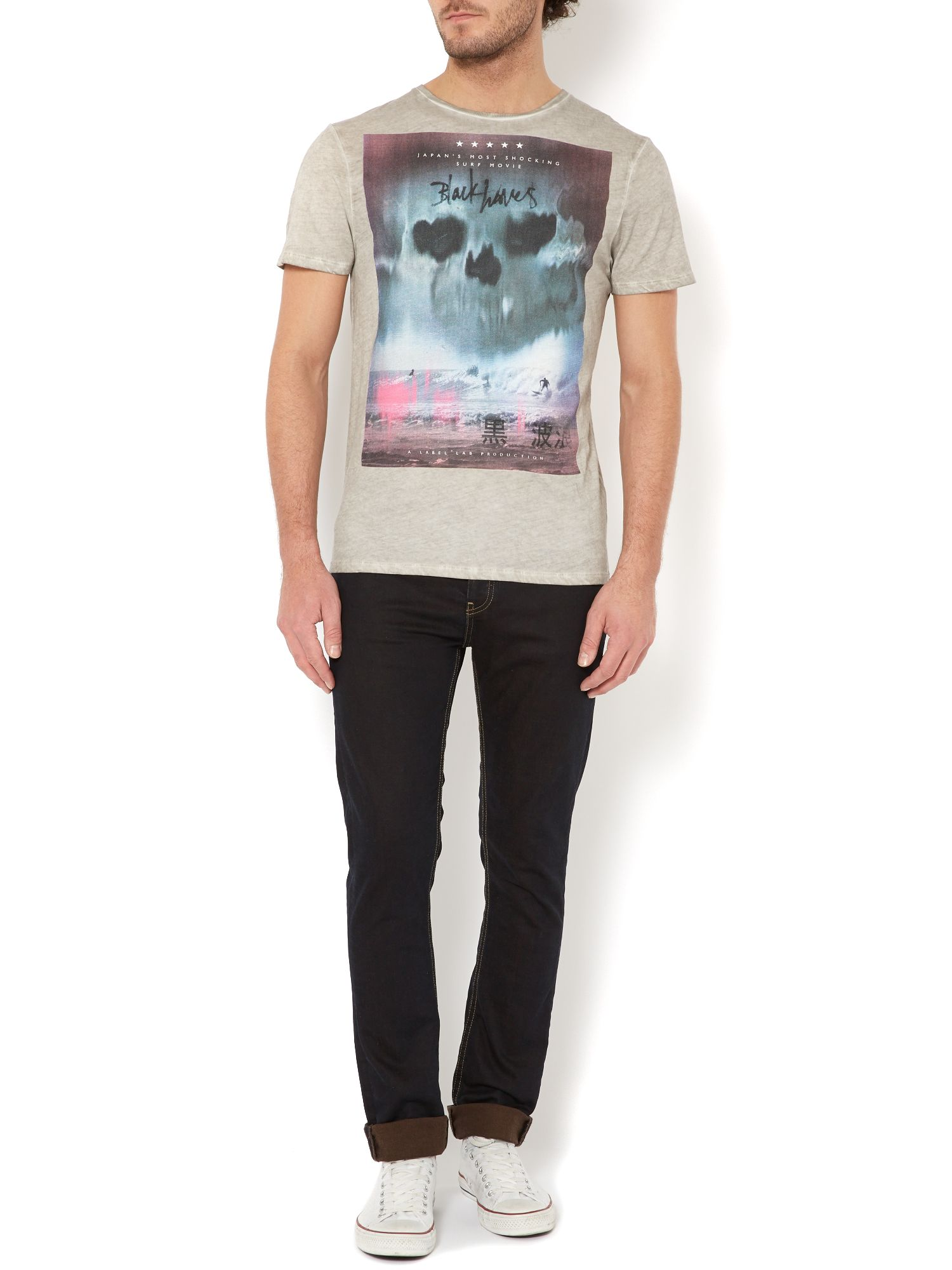 Black Waves graphic t-shirt