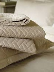 Christy trellis throw sand