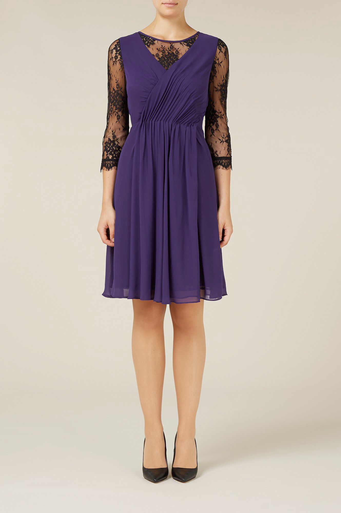Lace sleeve pleat dress