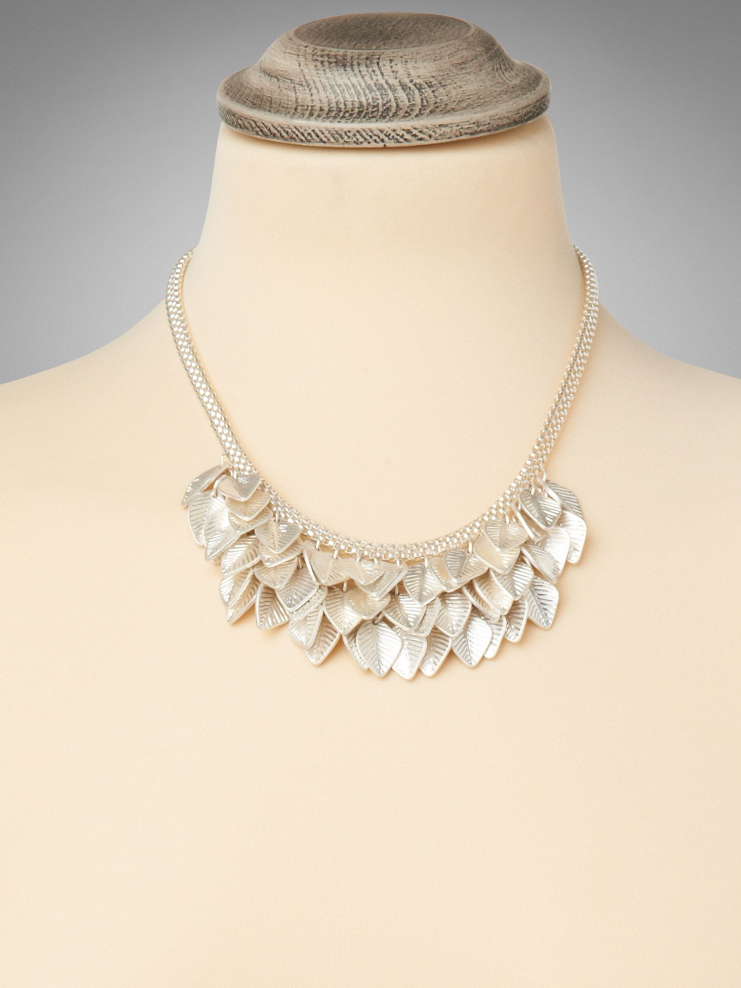 Lia bunched leaf necklace