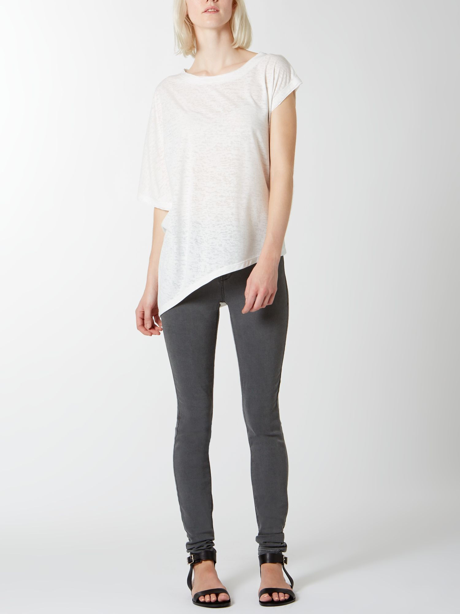 Asymmetric burnout tee