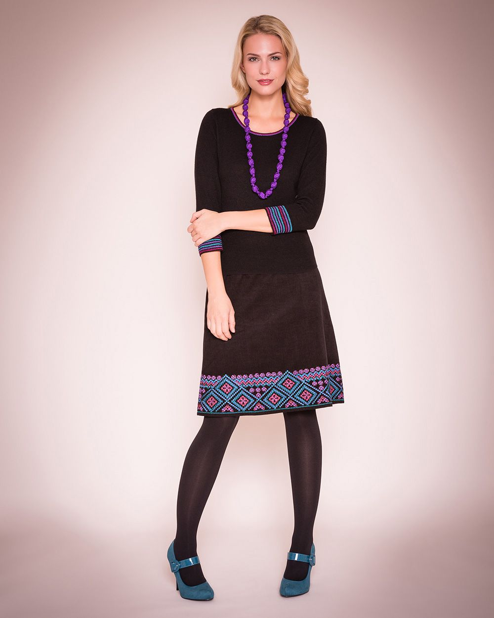Hira embroidered cord skirt