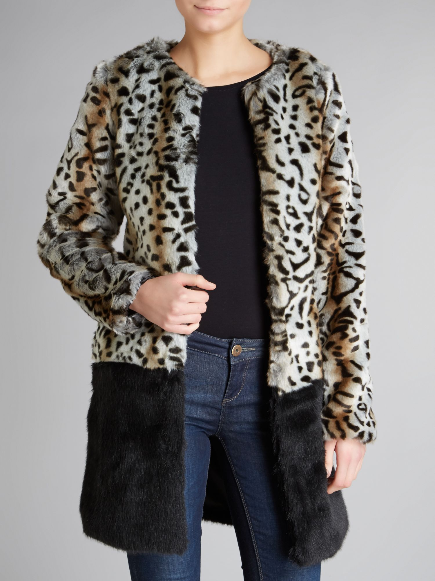 Contrast collarless faux fur coat
