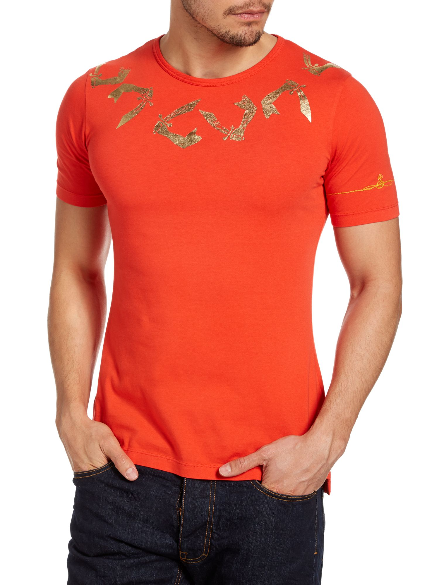 Arm and cutlass print t-shirt