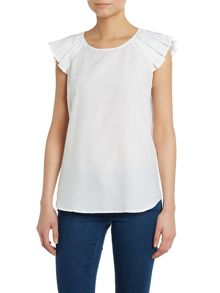 Short pleat sleeve top
