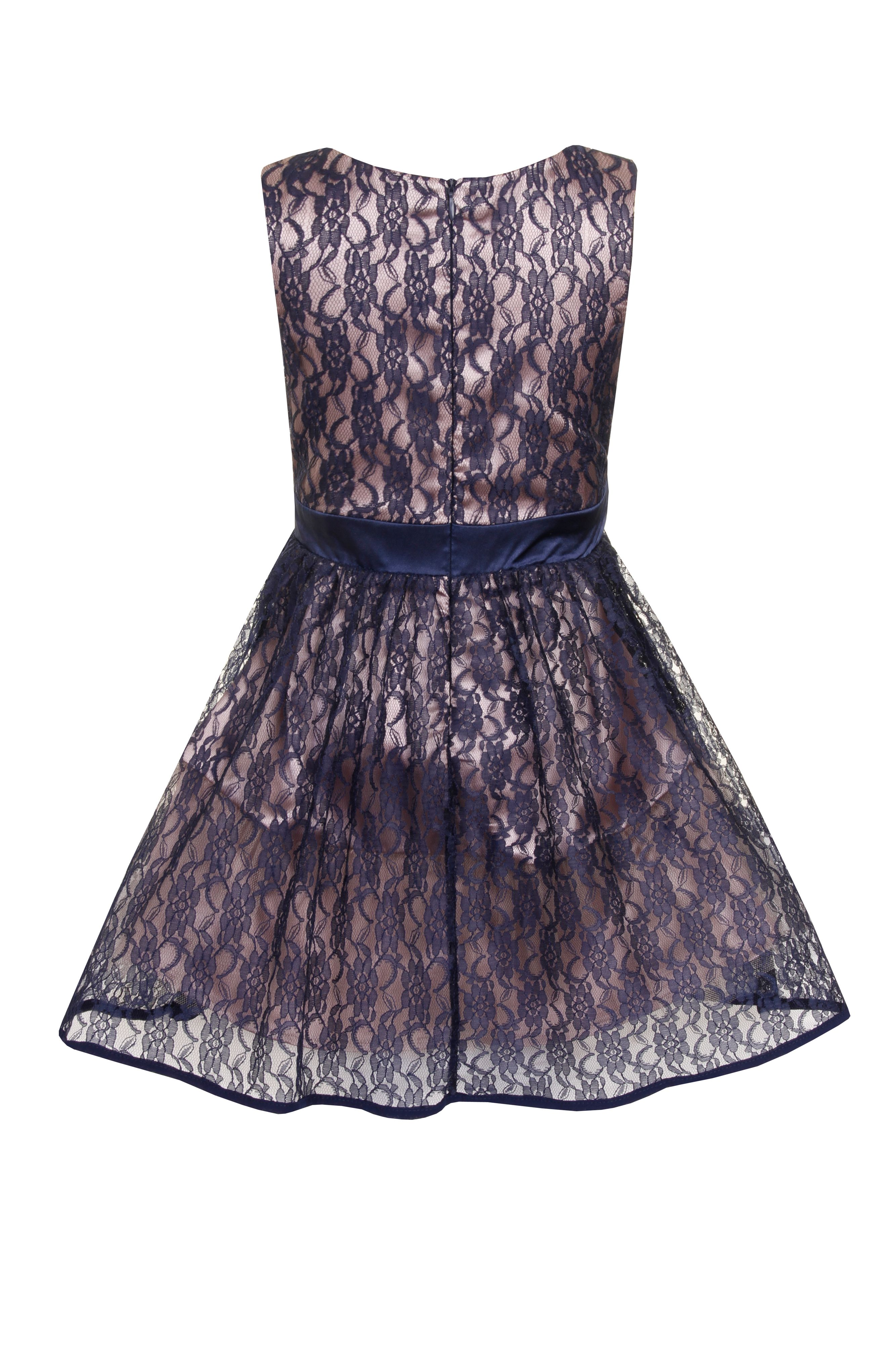Girl`s lace dress