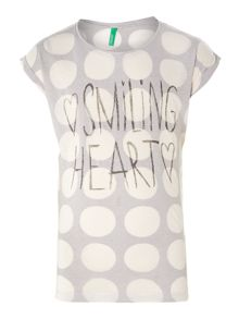 Girl`s smiling heart print t-shirt