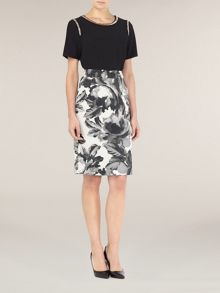 Graphic floral skirt