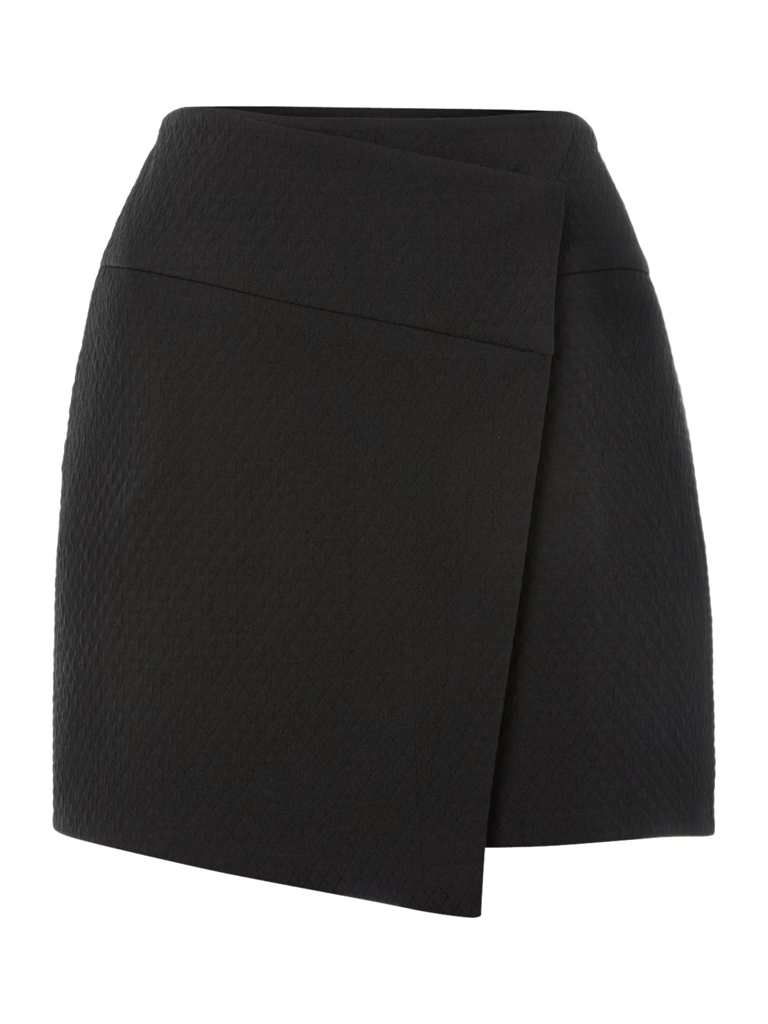 Asymetric skirt
