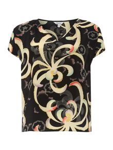 Plus Size Short sleeve print v neck top