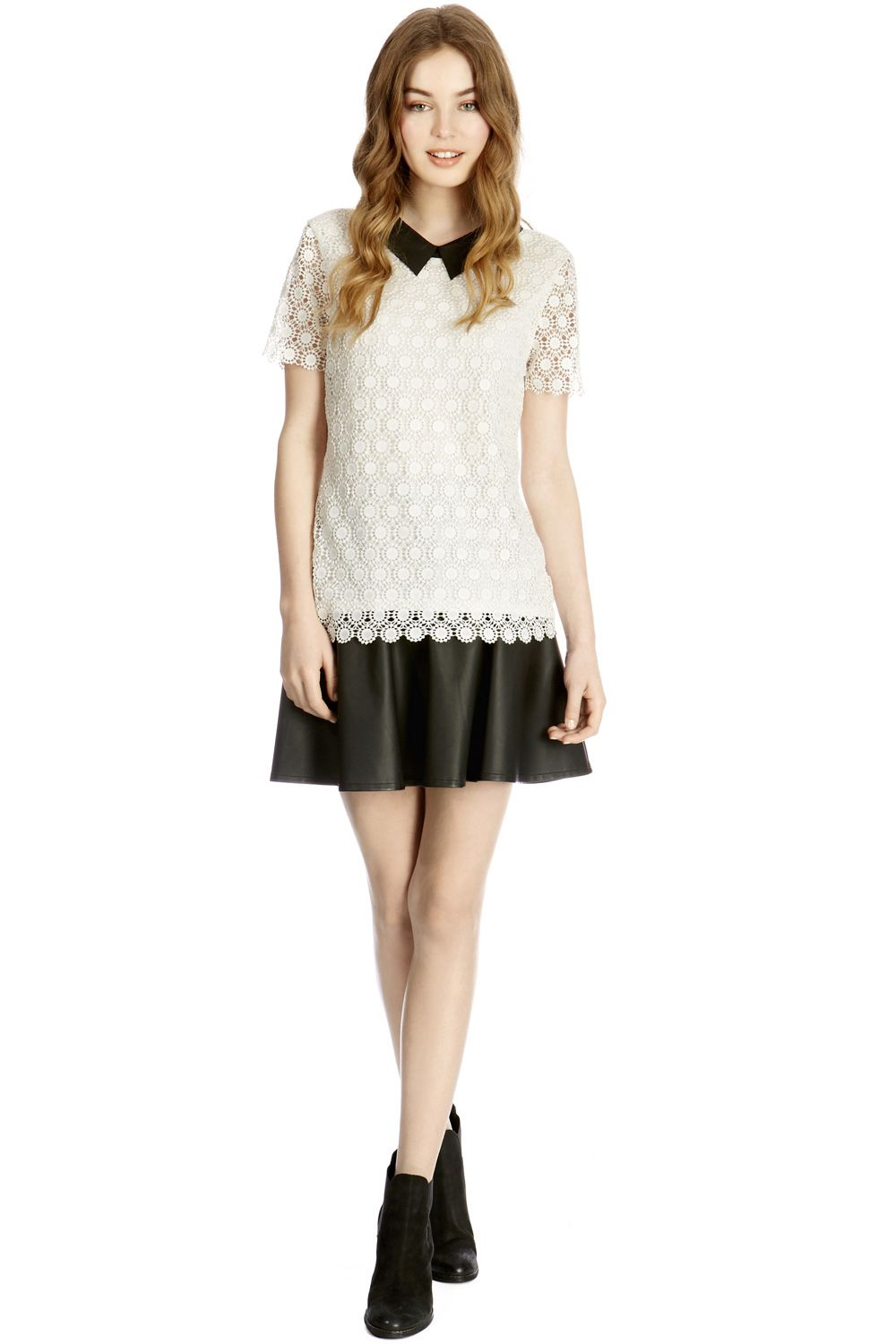 Collared crochet lace t-shirt