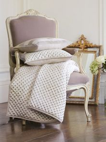 Lattice quilted throw 220x260cm chalk