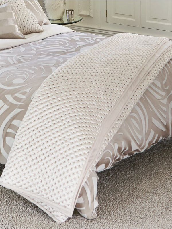 Vortex quilted throw 170x220 cm taupe