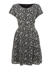 Shirred waist print dress