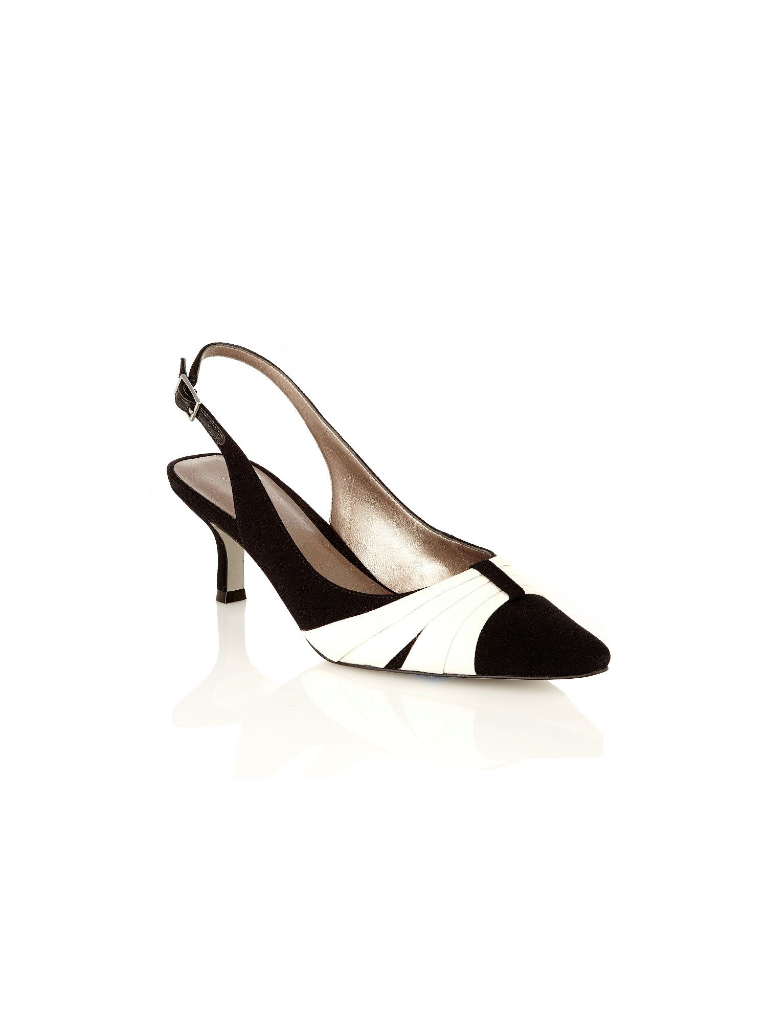 Black pleat trim shoes