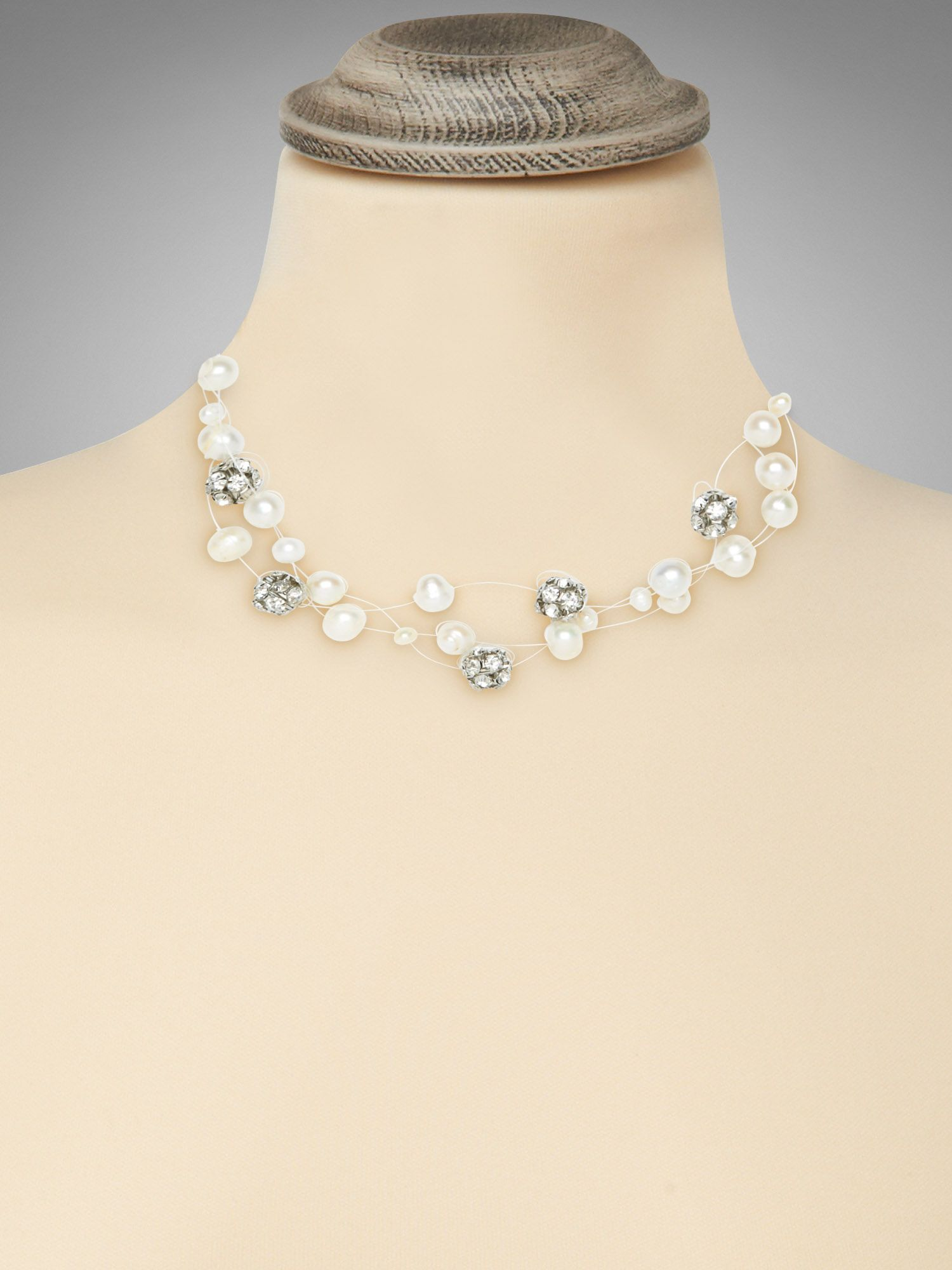 Illusion pearl necklace