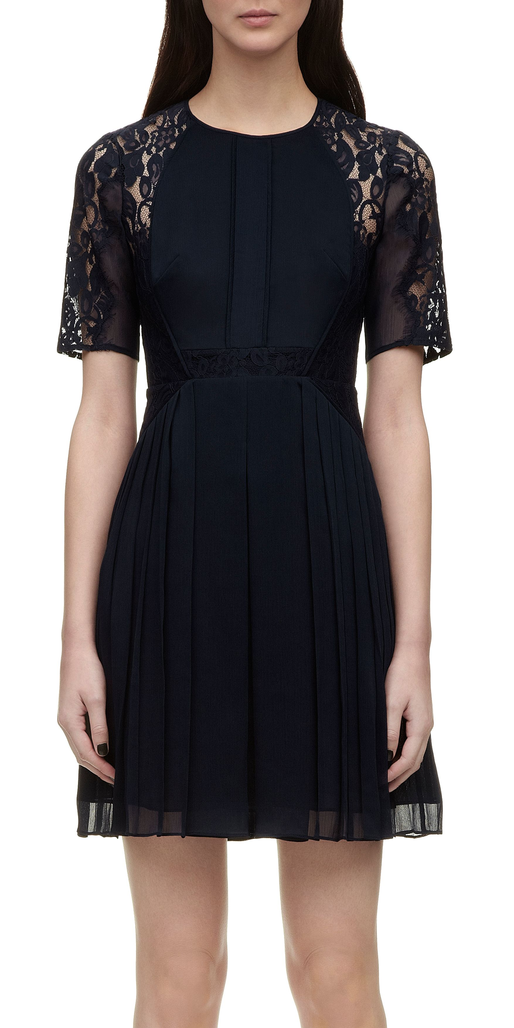 Linn lace dress