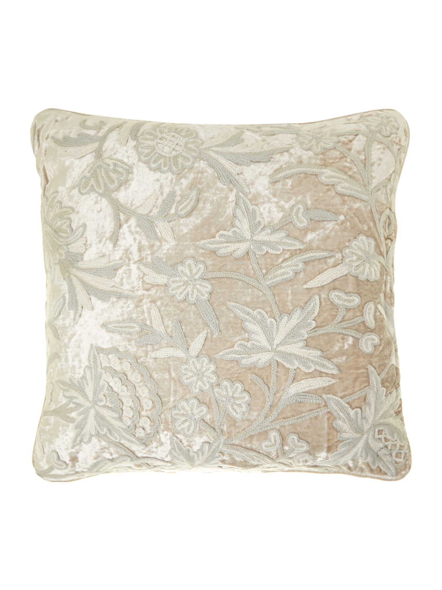 Dorothia cushion