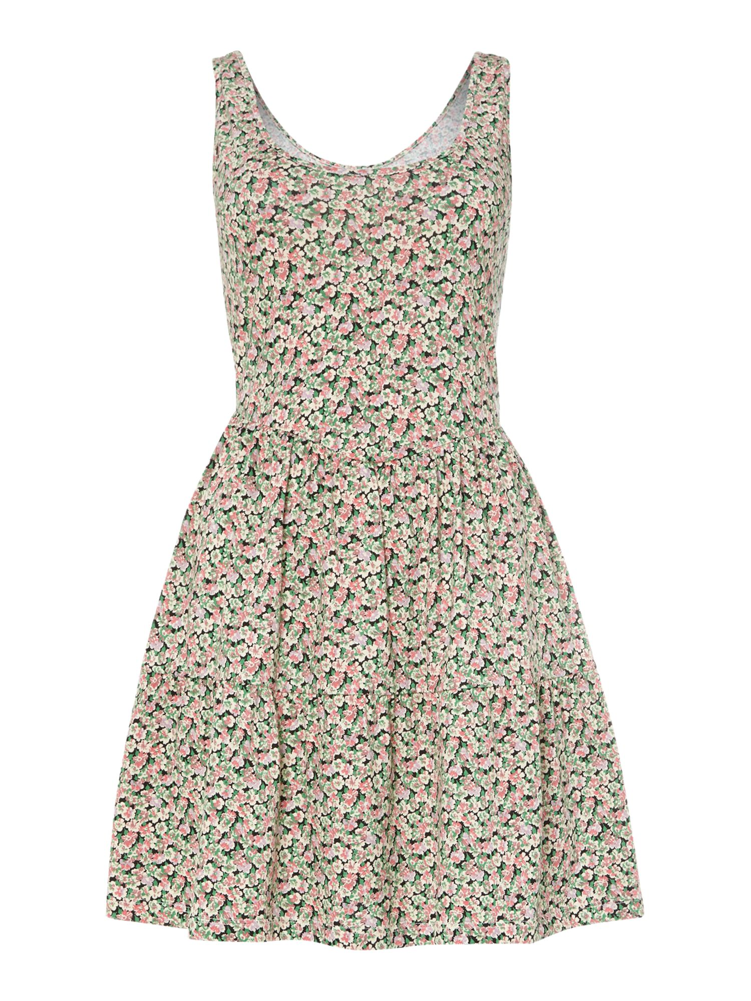Tiered sleeveless floral shift