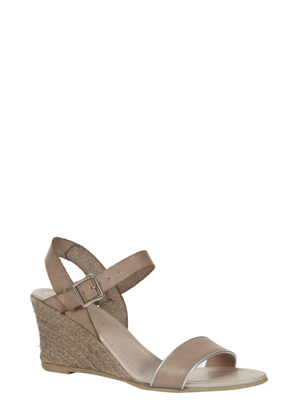 Lizzie low wedge
