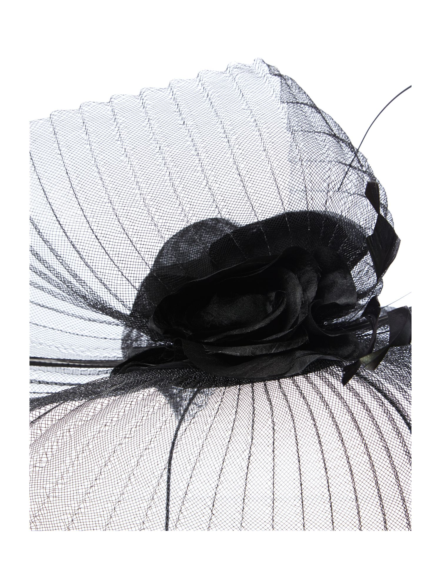 Pleated crinolin headpiece