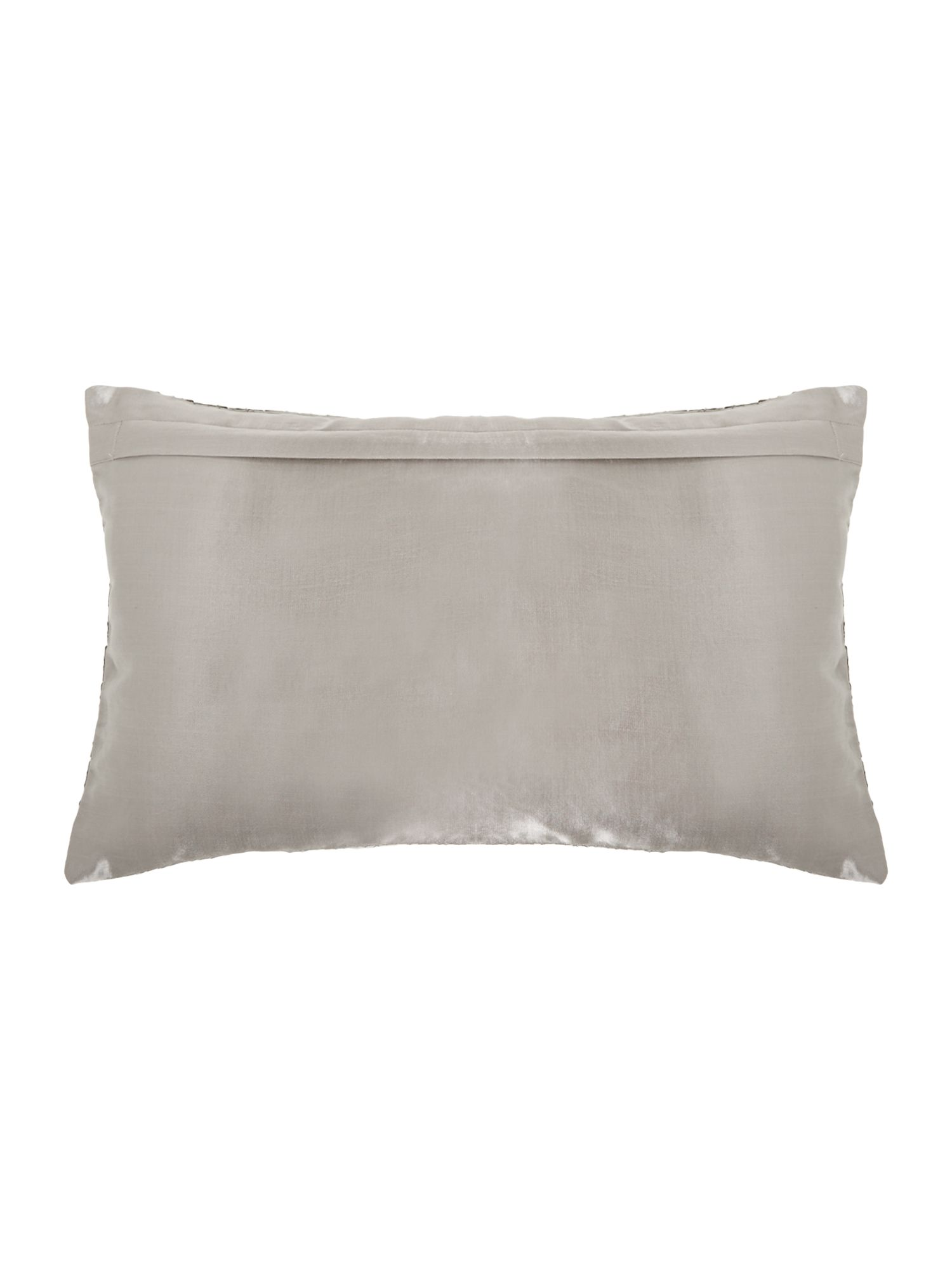 Ethereal cushion silver