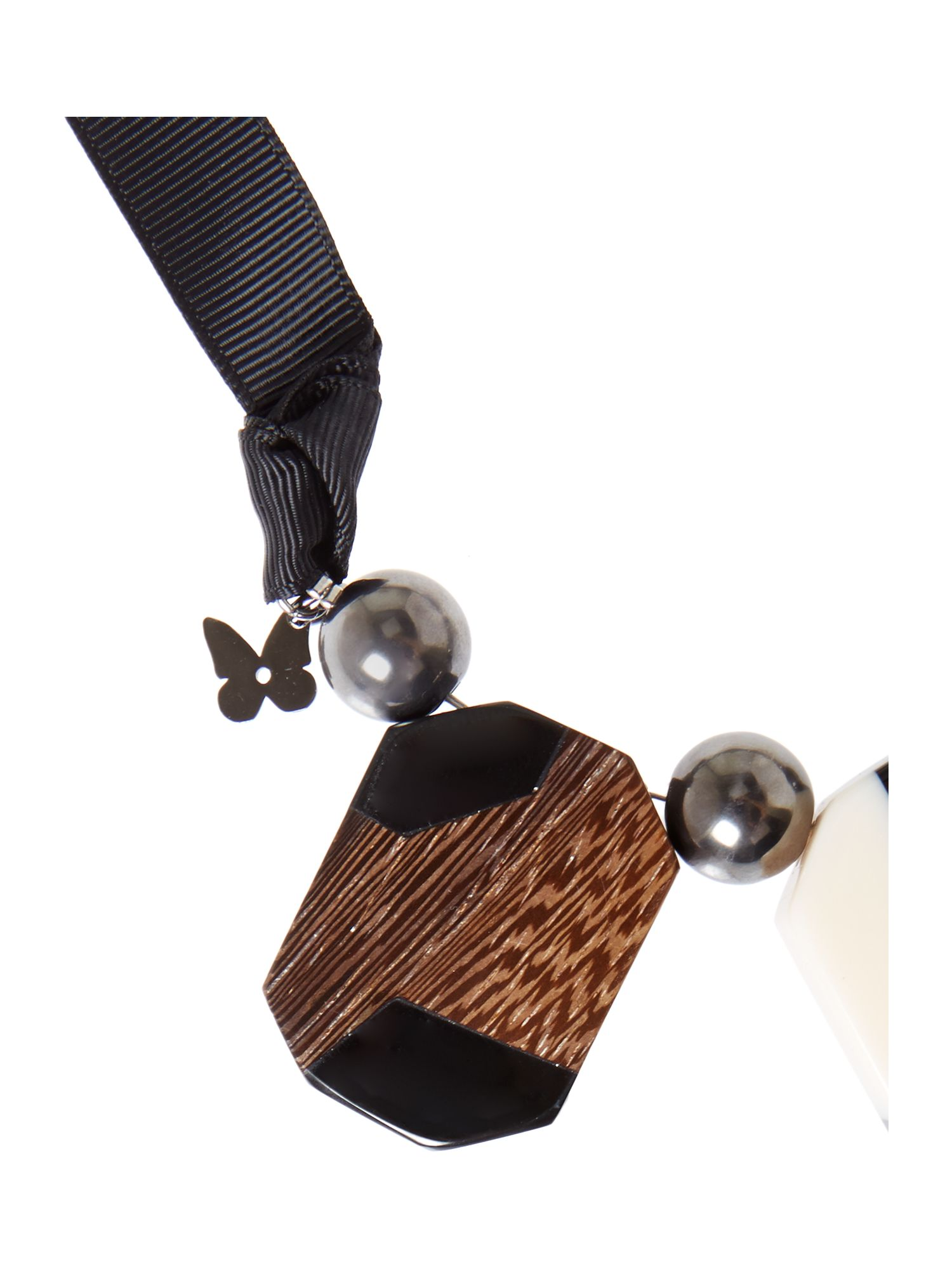 Elda wood necklace