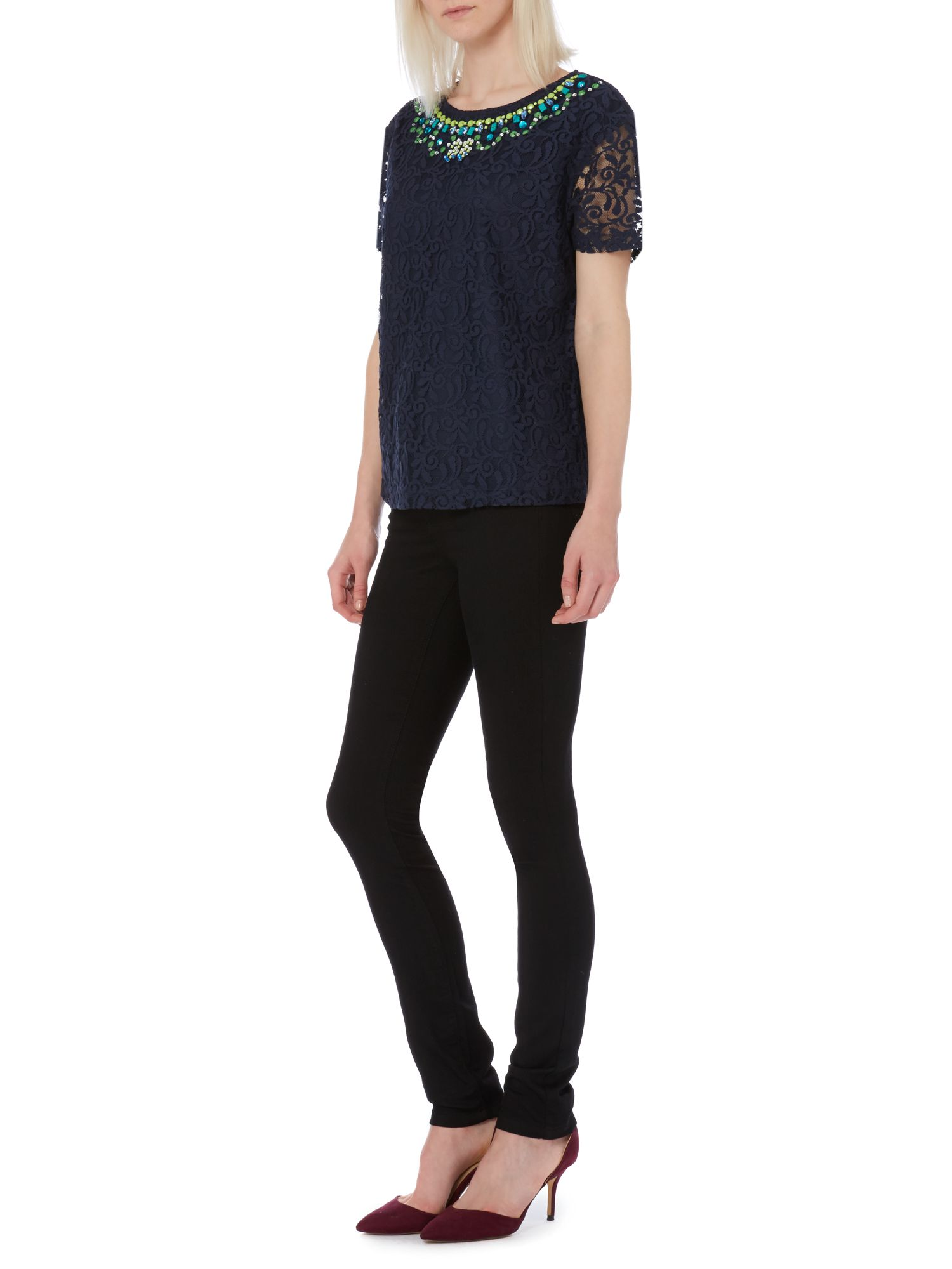Embellished neck lace tee