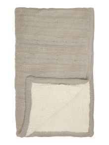 Cable knit sherpa blanket