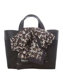 Scarf black medium tote bag