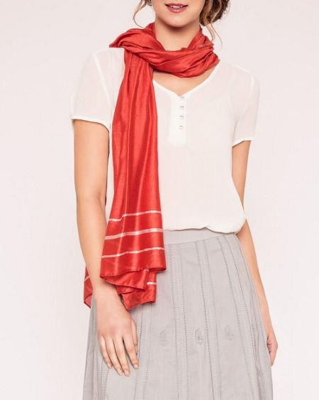 East Serina rouge scarf