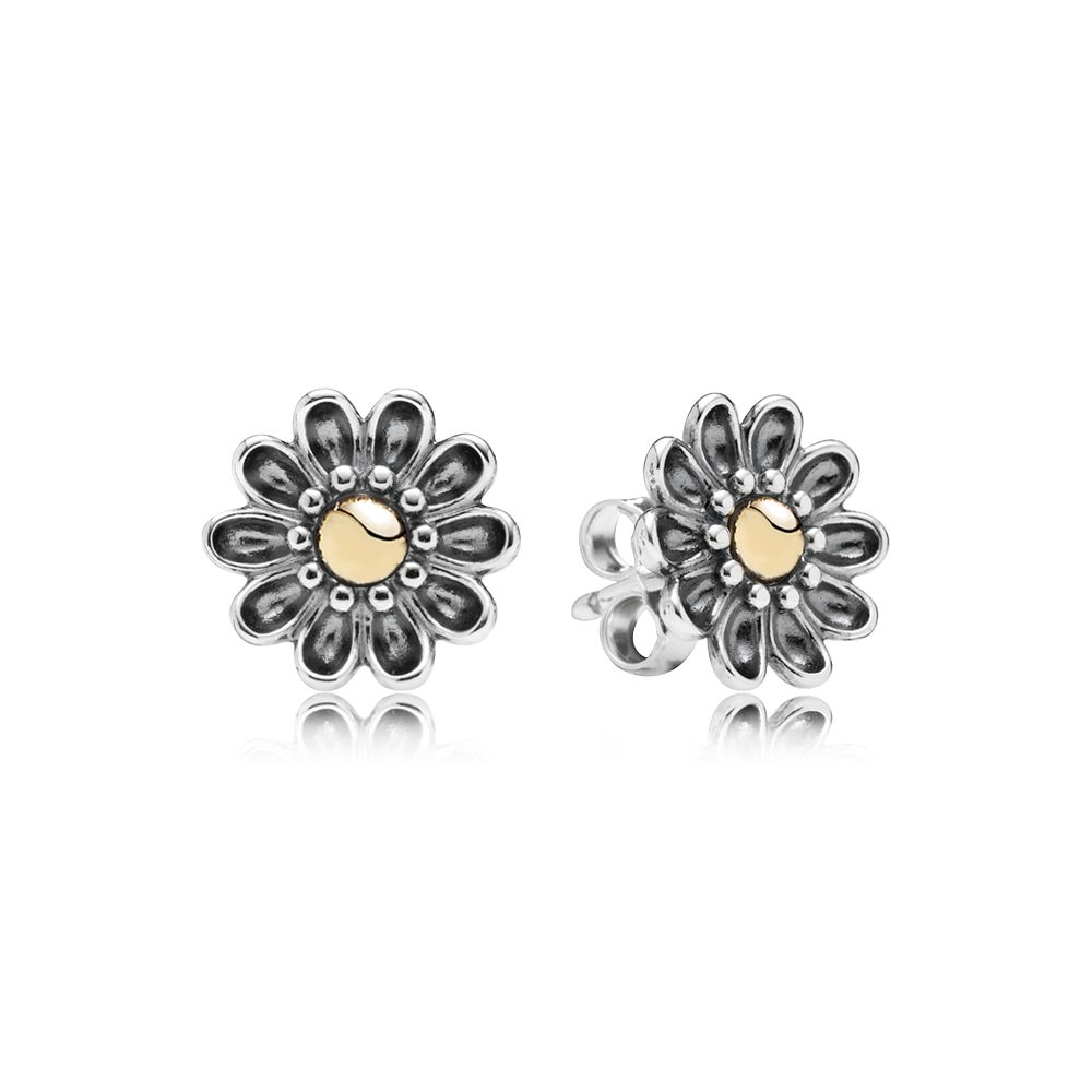 Flower 14k silver stud earrings