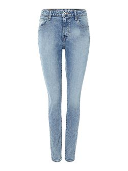 The high rise jeans in frenzy