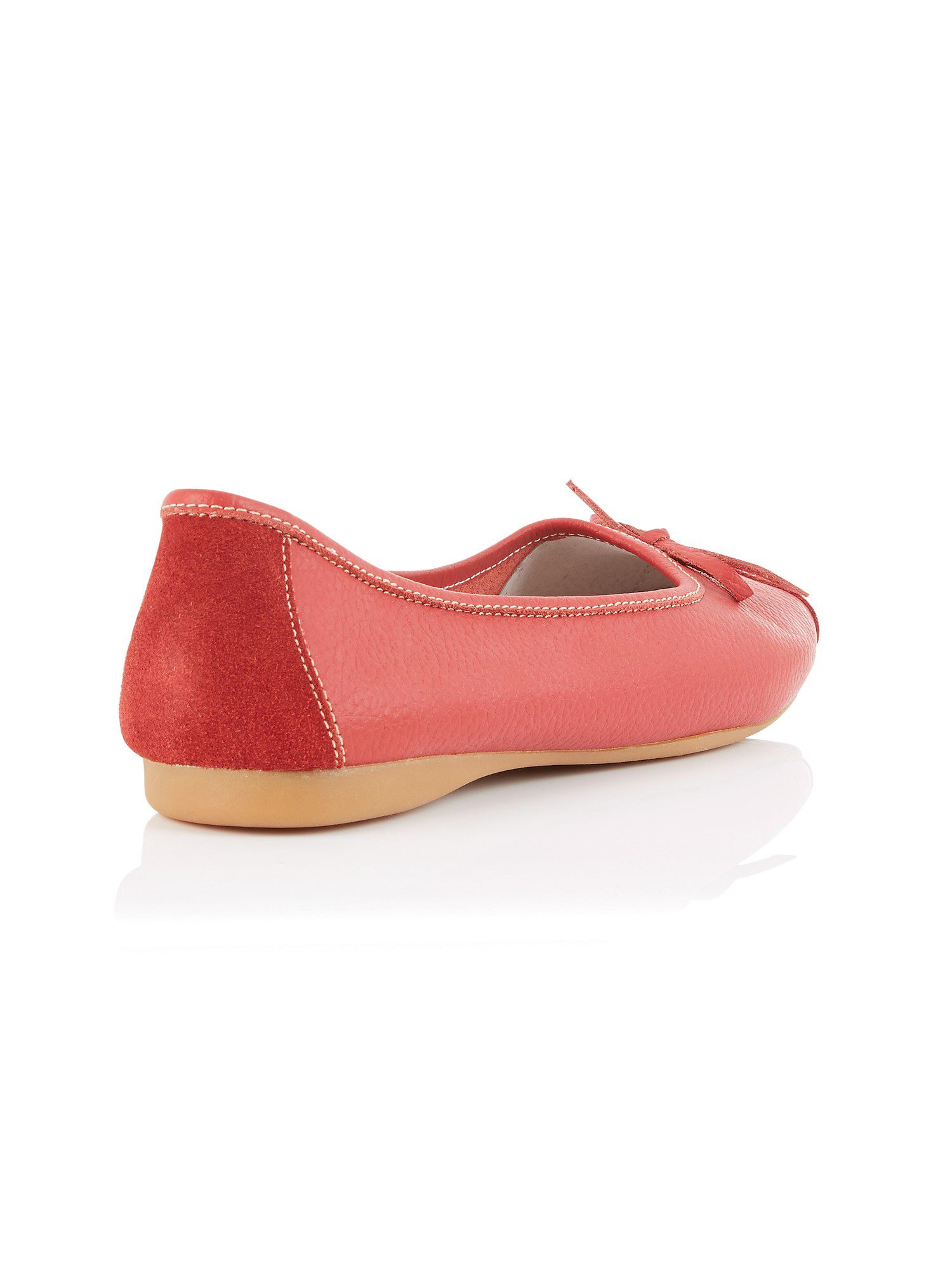 Red ballet pumps