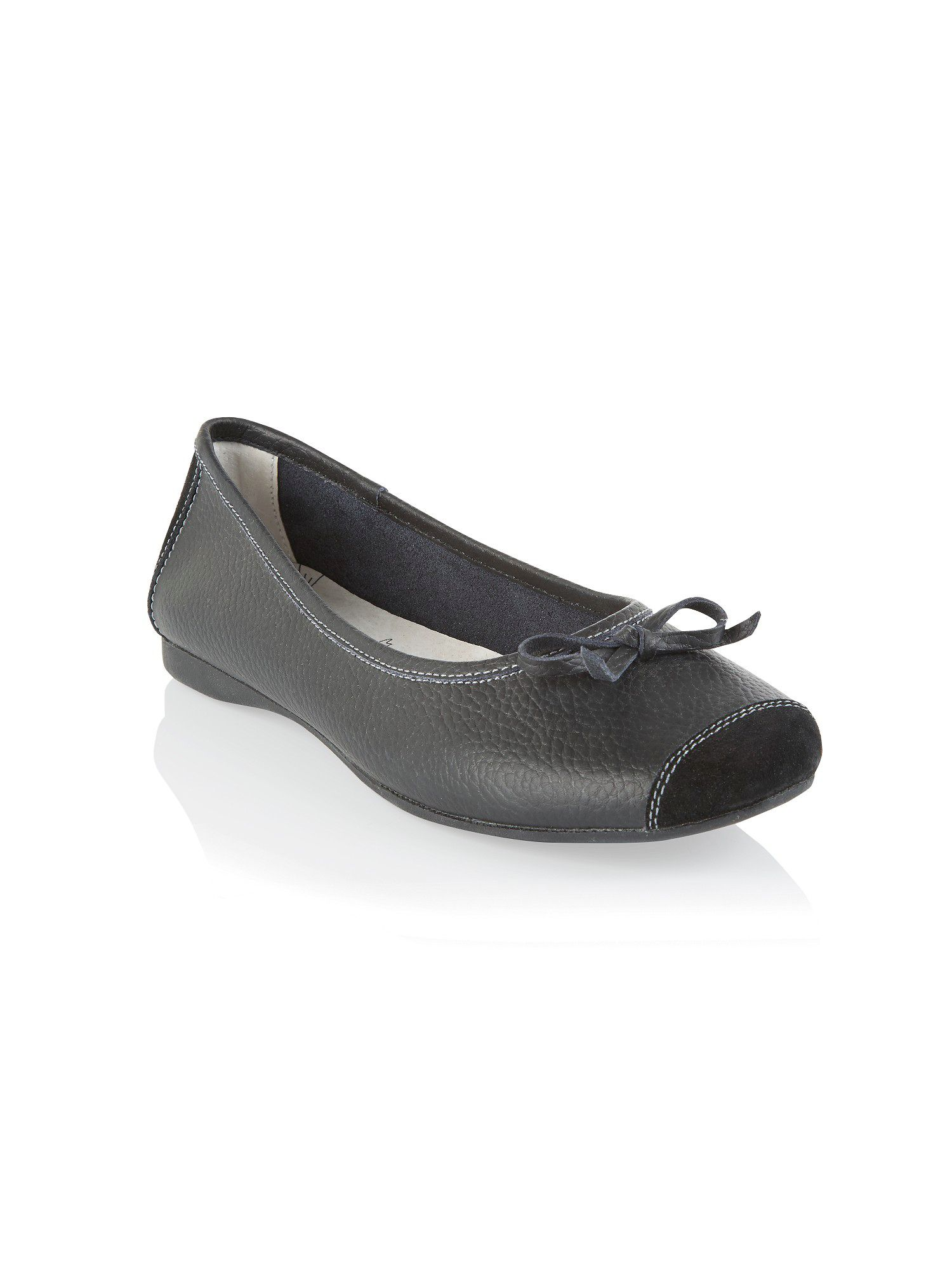 Black ballet pumps