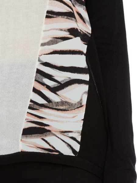 Episode Tiger print panelled top