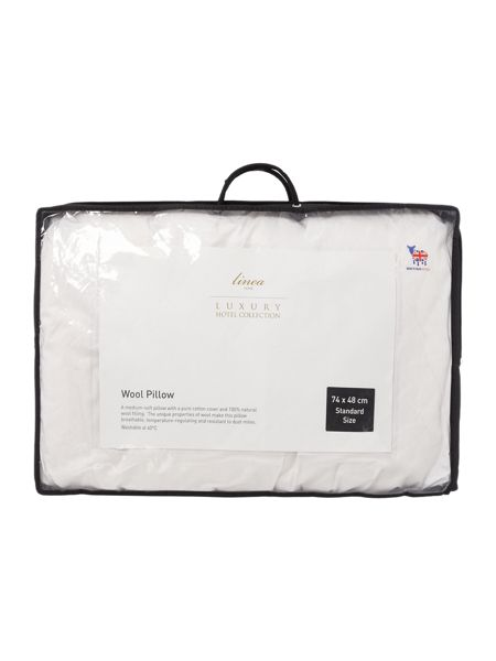 Luxury Hotel Collection Touch of wool Pillow