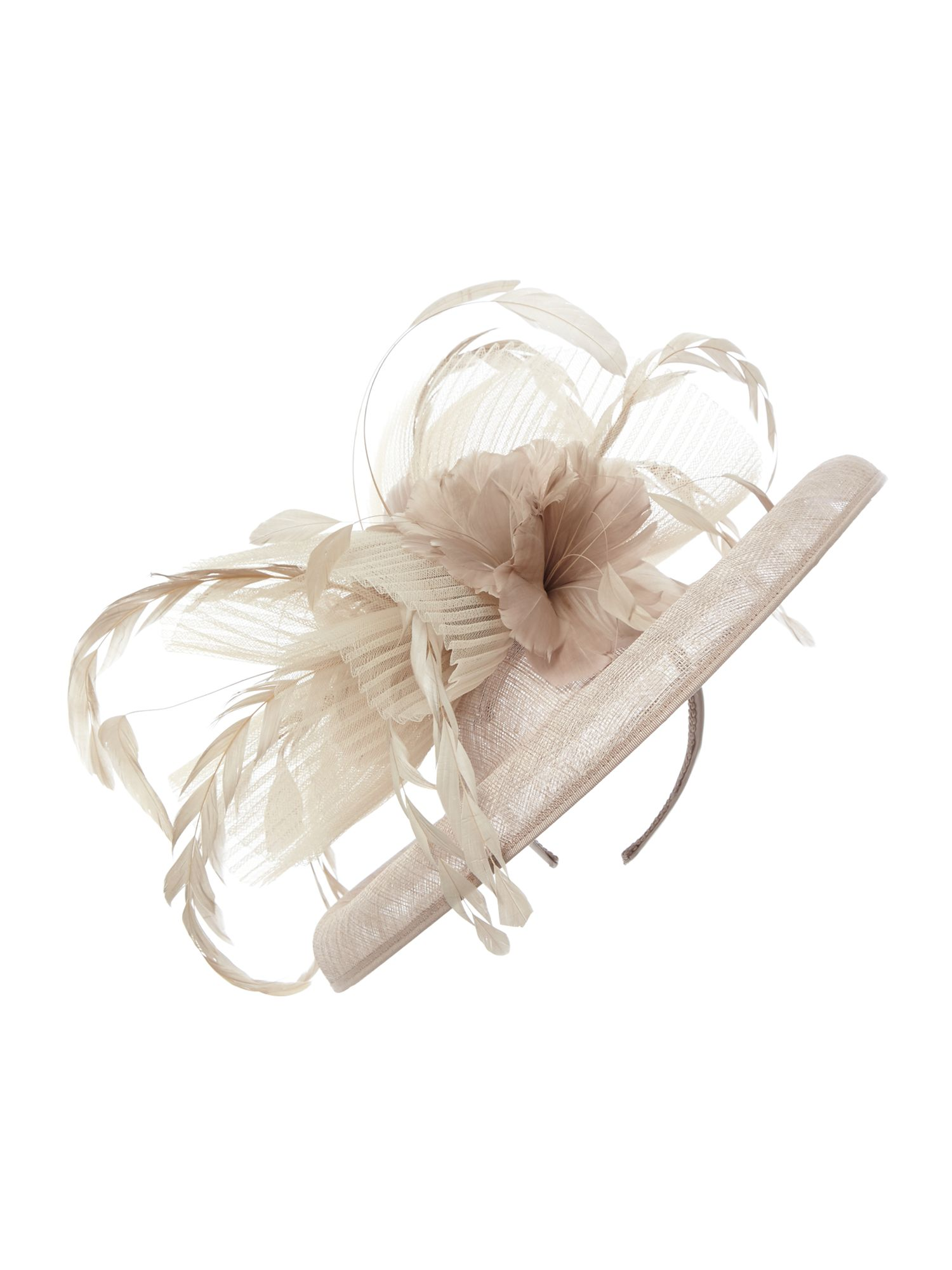 Pleated crin and feather flower shaped saucer